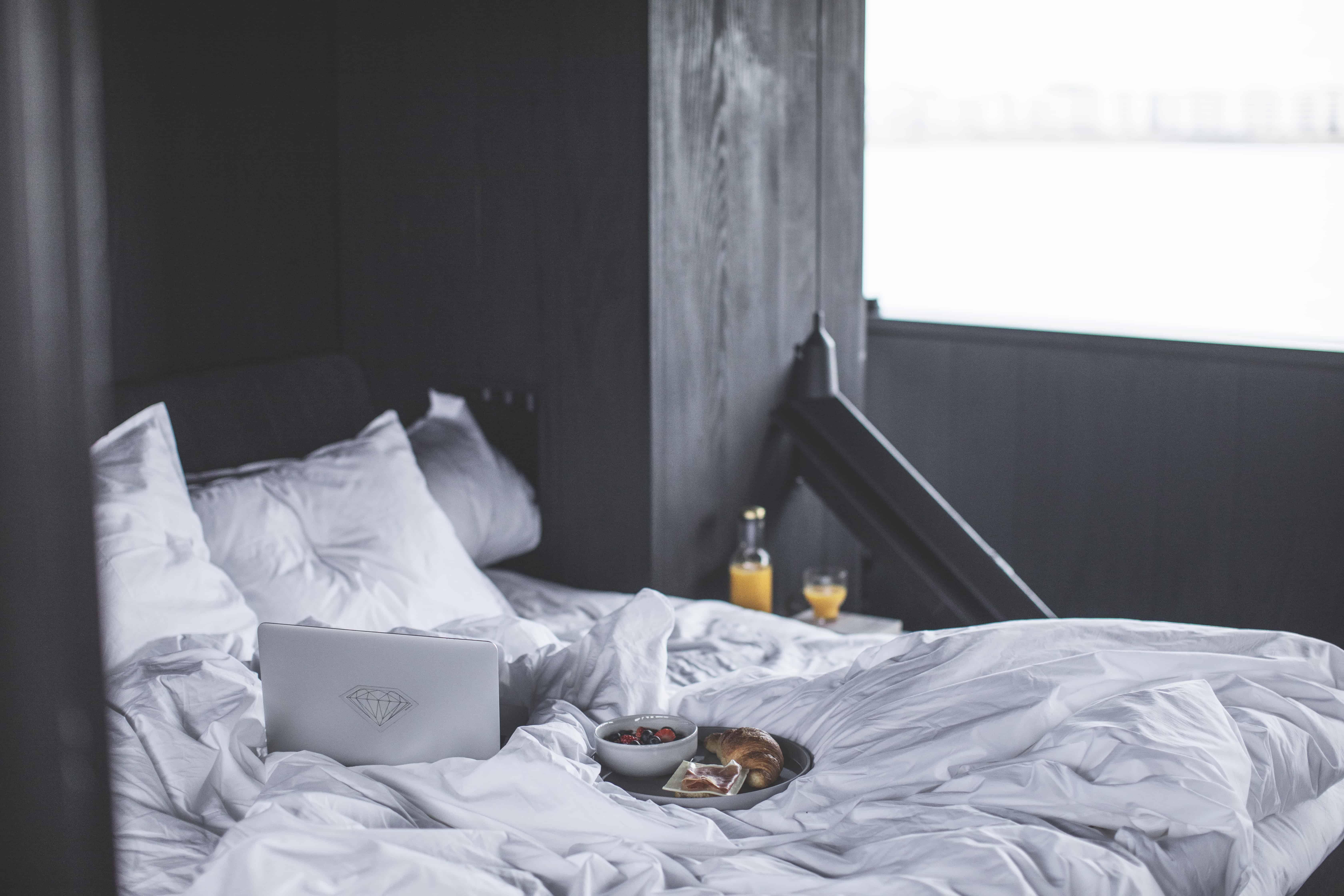 Hjemmeside morgenmad på seng